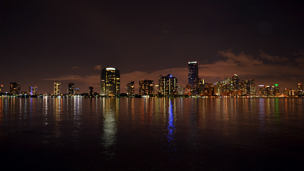 DOWNTOWN MIAMI EVENTS SKYLINE